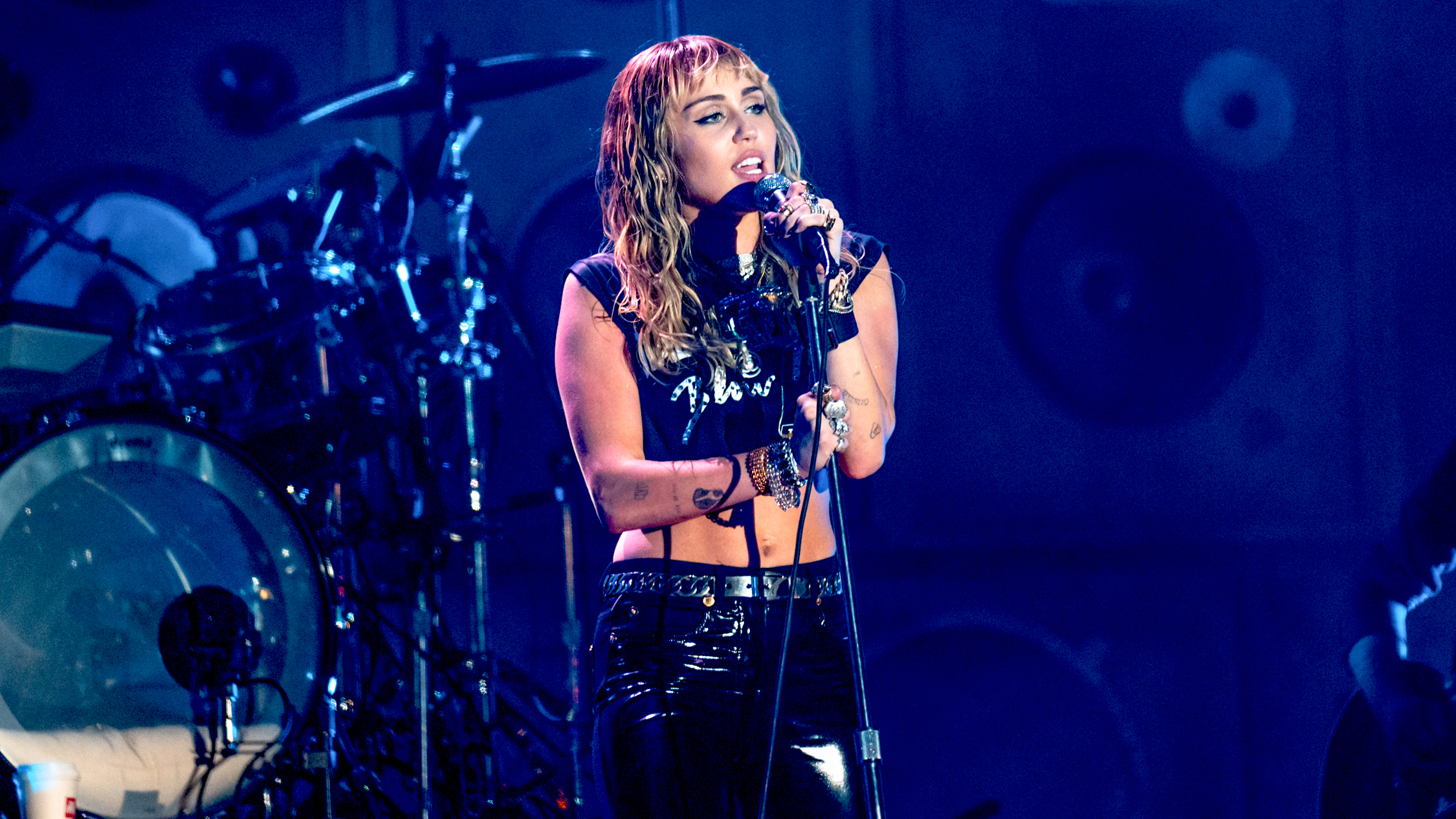 Miley Cyrus is coming to Melbourne to perform a bushfire benefit concert