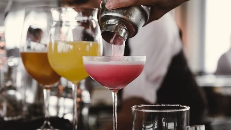cocktails_bars_24_02_unsplash.jpg
