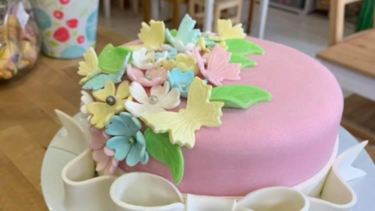 Defacto Cake