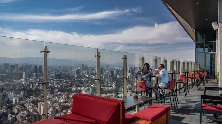 Cityzen: rooftop bar de Sofitel en el piso 38 con vista a Reforma