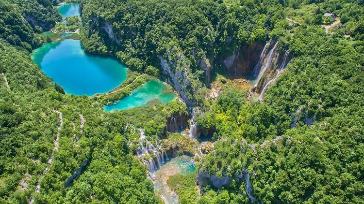Cascading colours at Plitvice Lakes National Park