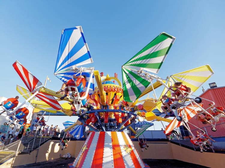 Amusement parks near NYC