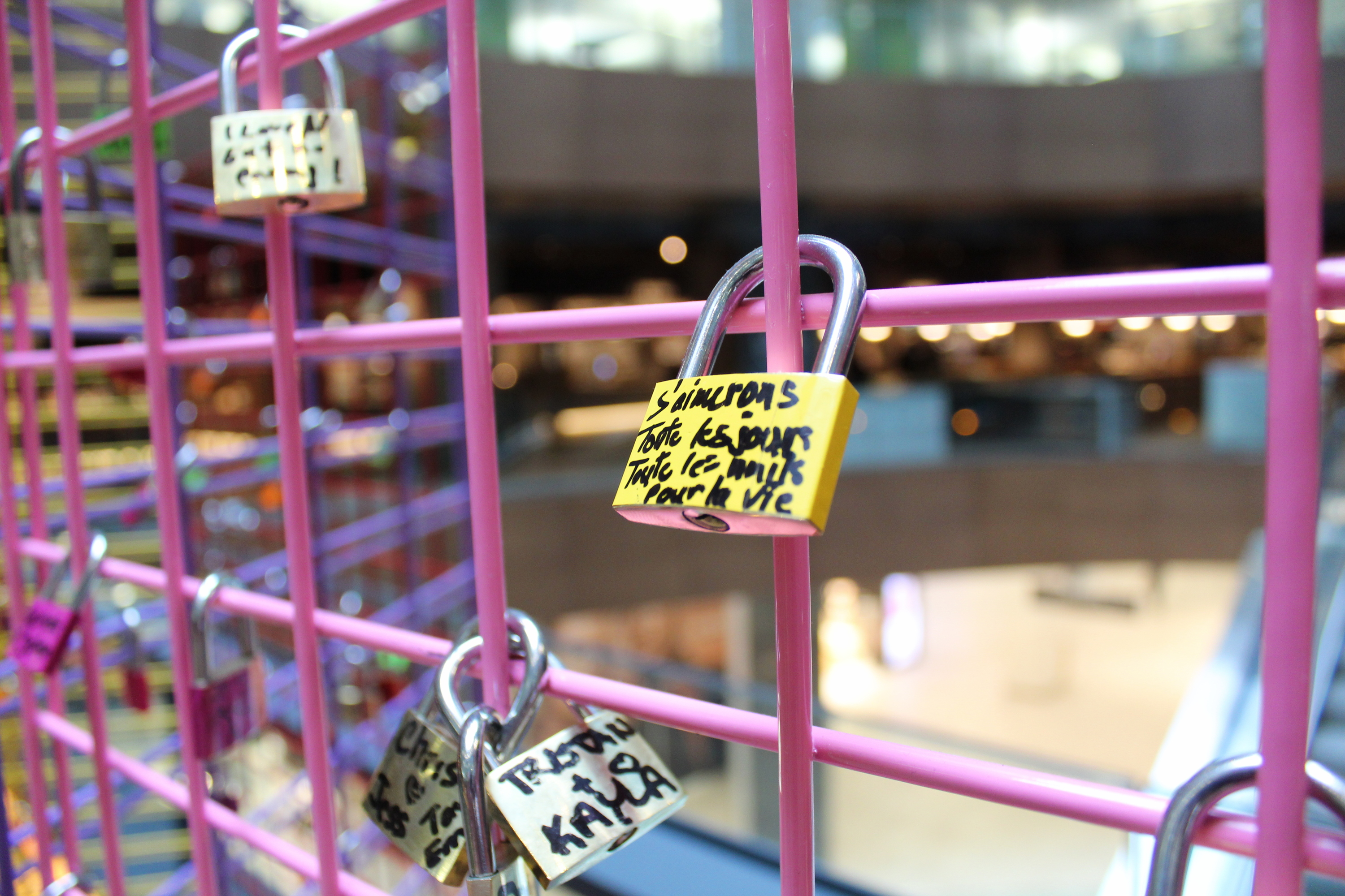 Our favourite love stories from the Pont des Amours