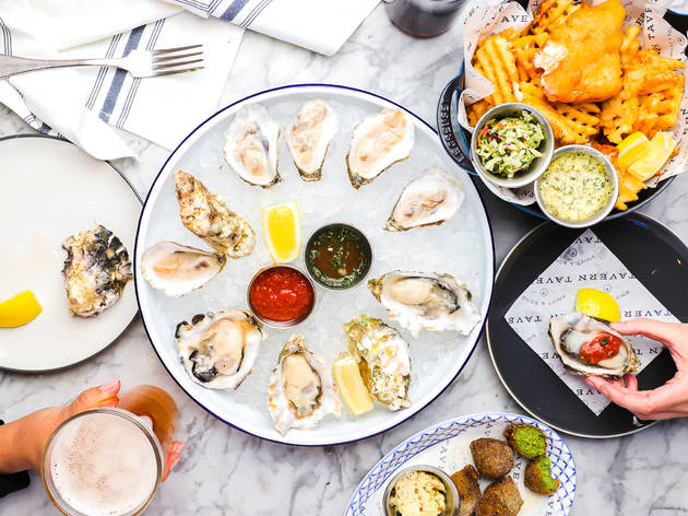 One of Chicago's top steakhouses debuts a beer-fueled oyster bar in Wrigleyville