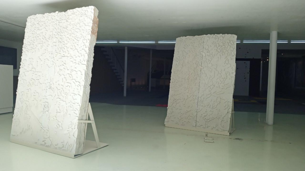 Murales para un cubo blanco yuxtapone obras de arte contemporáneo al legado pictórico de Siqueiros