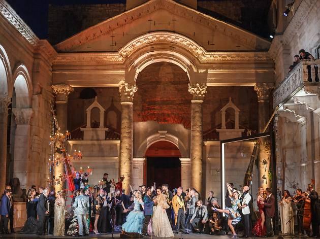 Opera at Peristil