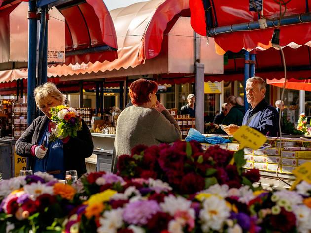 Fresh spring flowers on sale at Zagreb's Trešnjevka marketplace