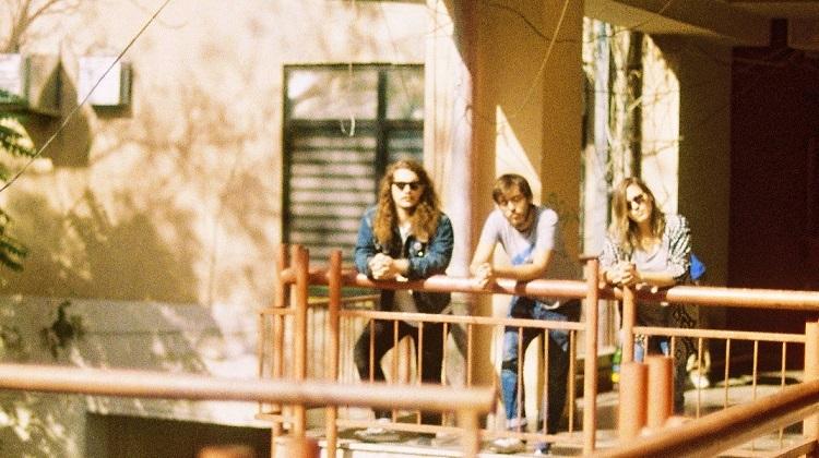 """Sunflowers: """"A música é uma indústria psicologicamente pesada"""""""