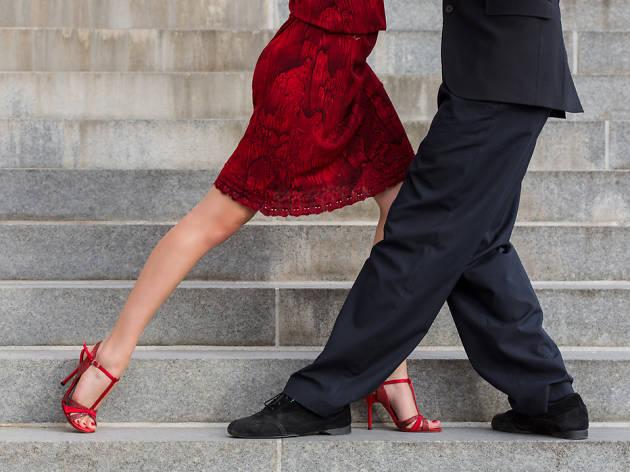 Parella ballant tango