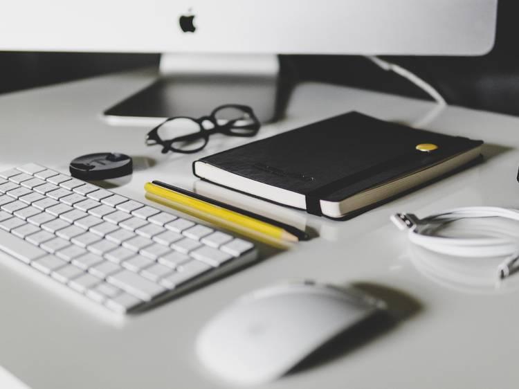 Os workshops e cursos online que pode fazer em casa