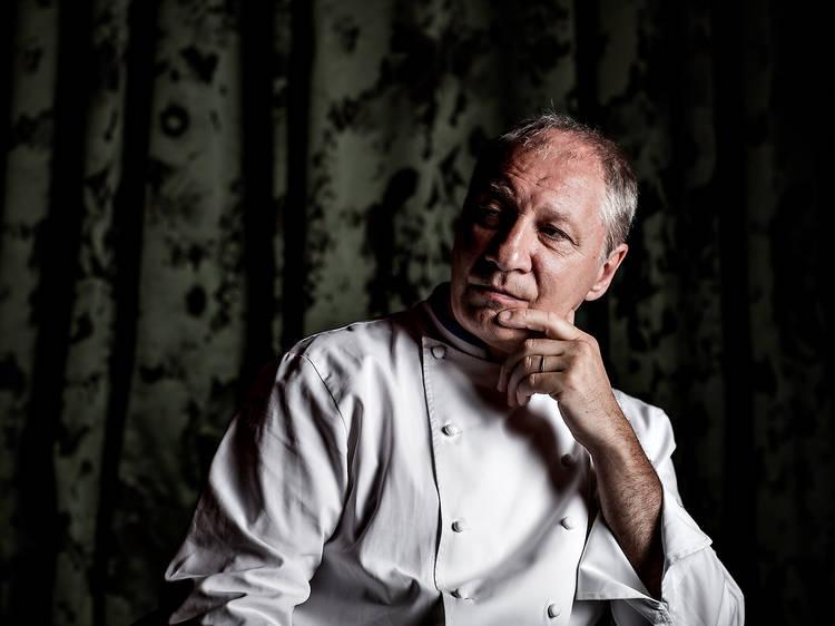 #FondDePlacard1 - L'omelette aux chips et oignons séchés d'Eric Frechon