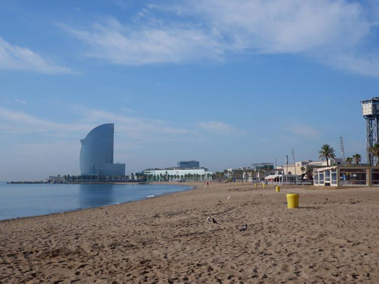 Praia da Barceloneta em Barcelona