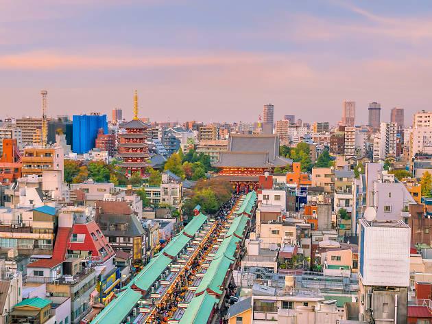 Asakusa Sensoji Temple skyline
