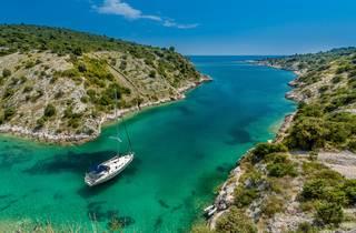 Sail through islands
