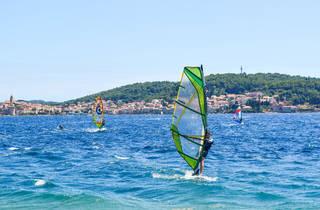 Take a windsurfing class