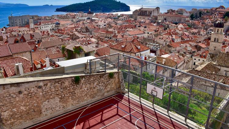 Play basketball with views of the sea