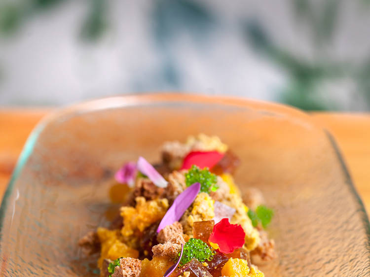 Tartar de foie, gelatina de vino dulce y mango (Aitatxu)
