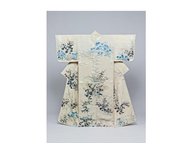 重要文化財 小袖 白綾地秋草模様 尾形光琳筆 江戸時代・18世紀 東京国立博物館蔵