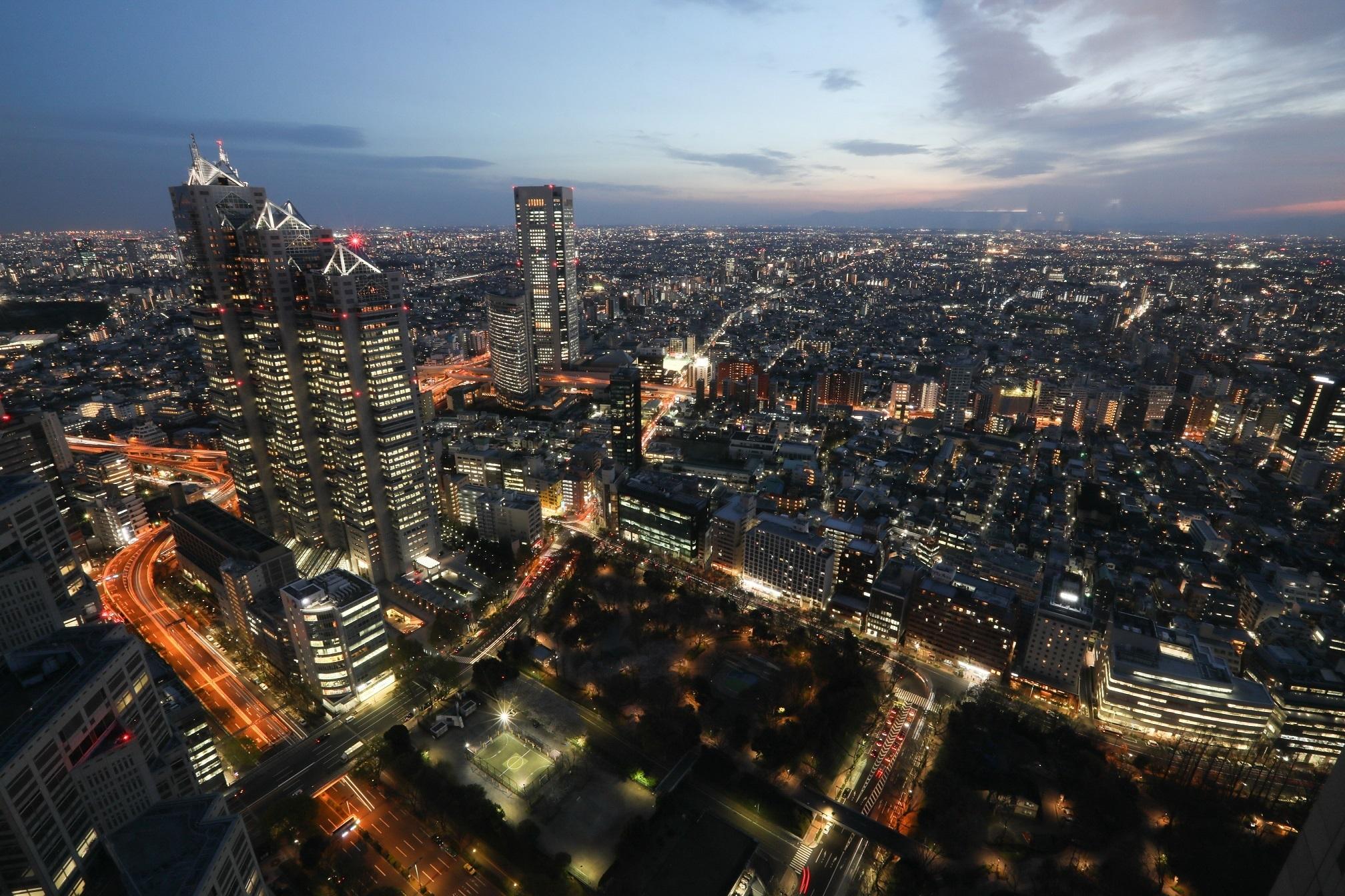 東京都、週末の不要不急の外出自粛要請を発表