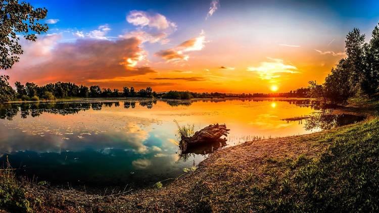 Zagreb county's Orešje lake at sunset