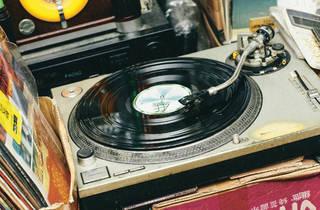Vinyl Hero record player