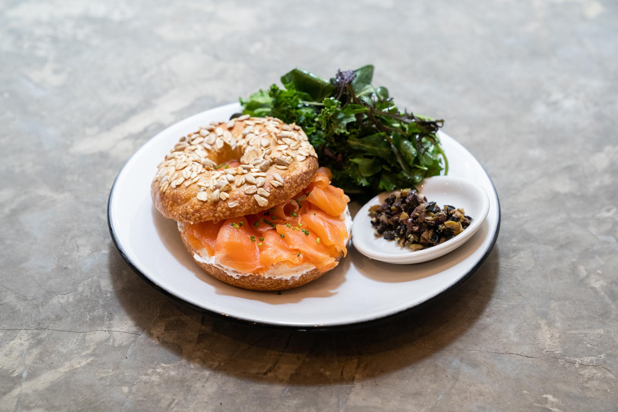 Marne, bagel con salmón