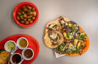 Pastora Casa de Trompos: tacos árabes, de pastor y morita