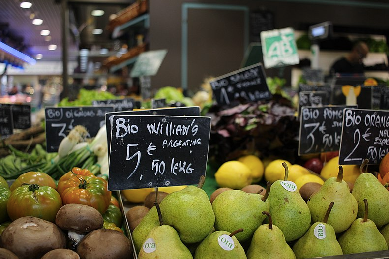 Les supermarchés parisiens vont vendre 100 % de fruits et légumes français