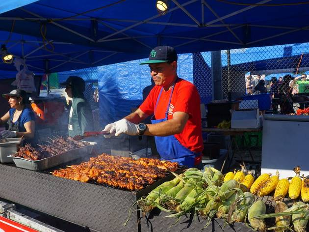 Queens Night Market vendors are providing hundreds of meals for medical workers