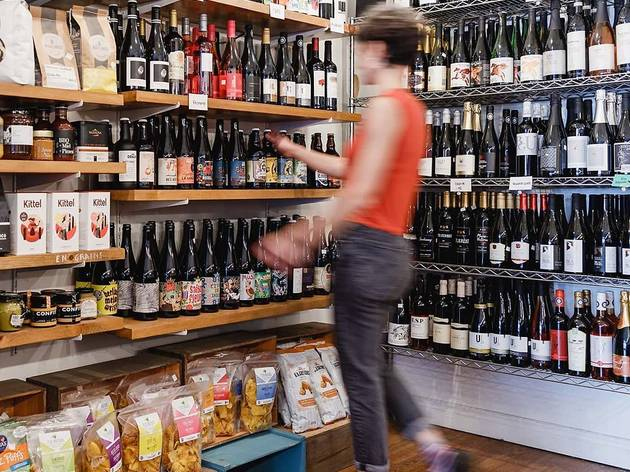 Dip into restaurants' cellars with wine delivery in Montreal