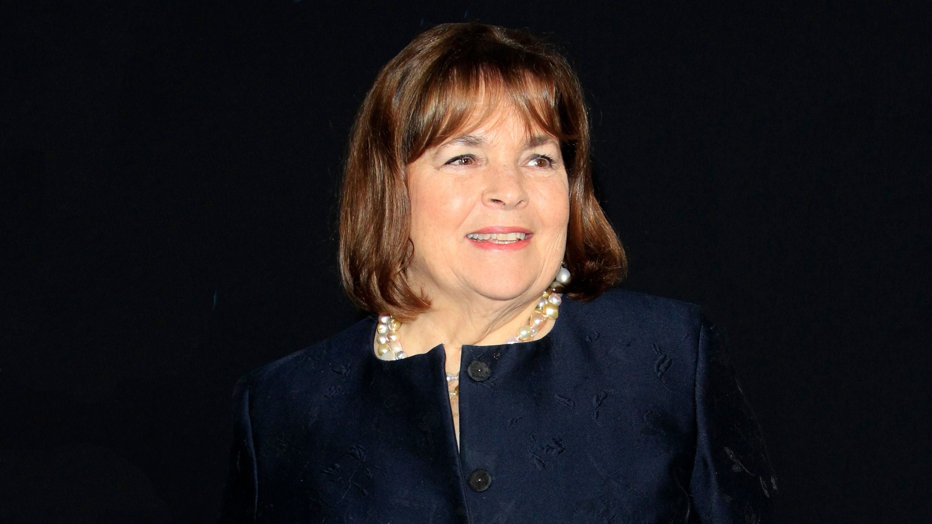 Quarantine hero Ina Garten just made the world's largest cosmo
