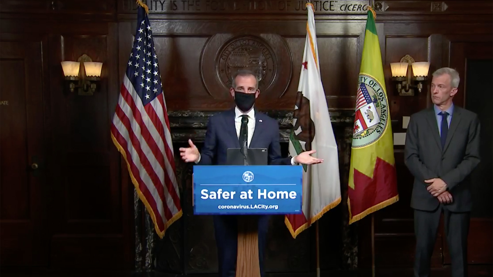 L.A. is now recommending that Angelenos wear masks when in public