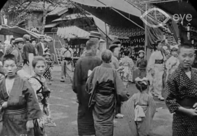 These speed-corrected historical films show the streets of Tokyo over 100 years ago