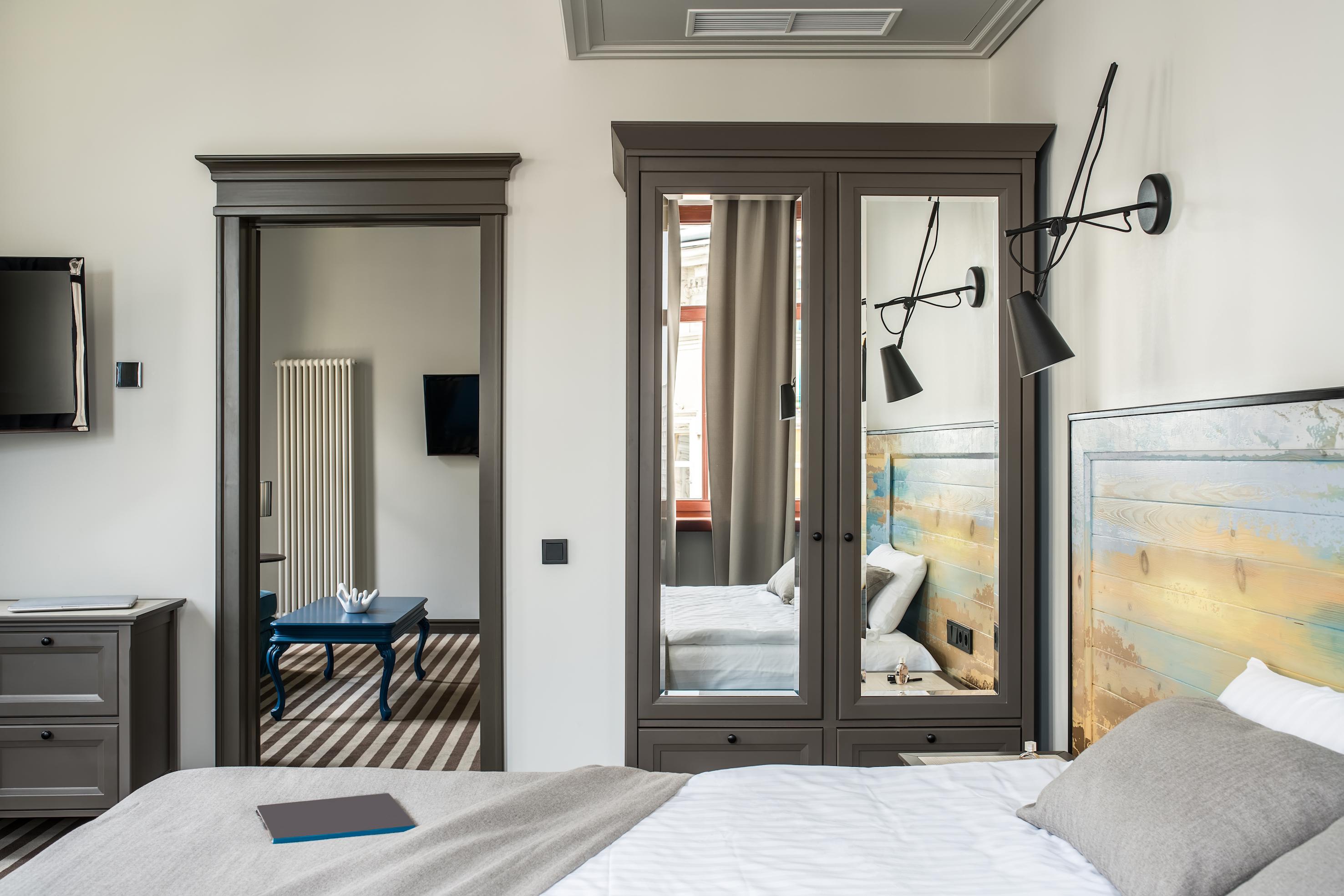 Dormitorio con espejos Feng Shui