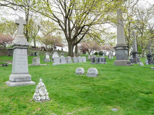 This NYC cemetery has become a popular destination for solitary outdoor escapes