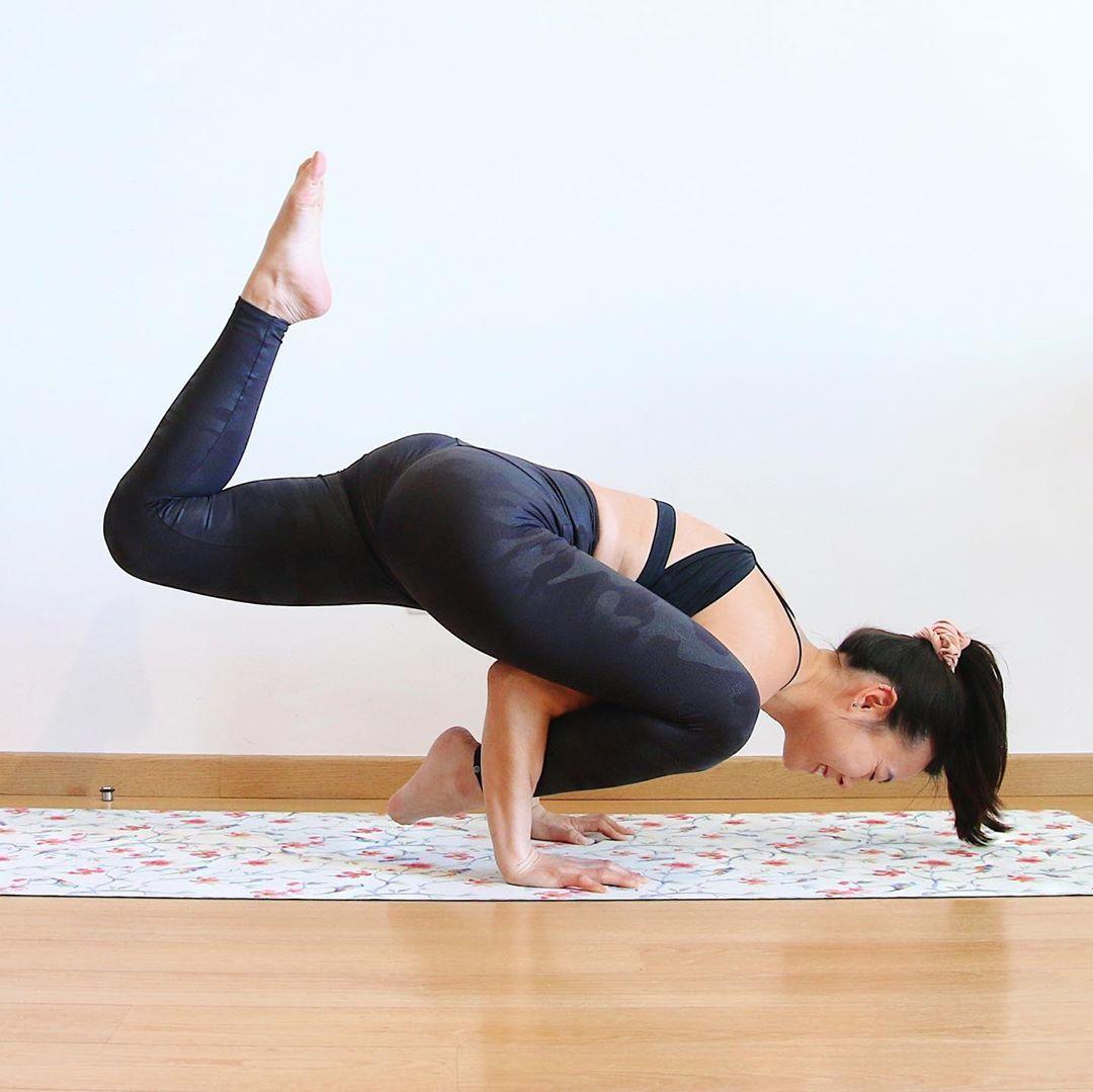 Sara Hu, yoga Circle
