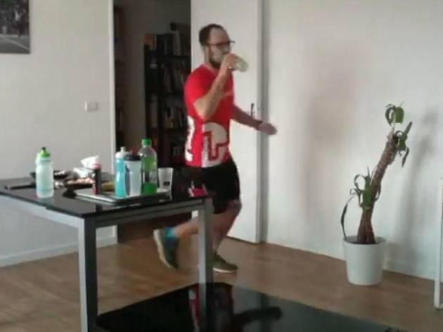 Confinés, ils courent le Marathon de Paris... de chez eux !