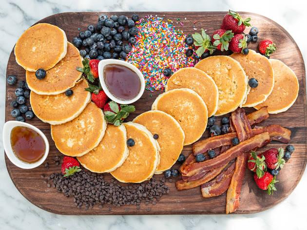 summer house, summer house santa monica, brunch, breakfast, pancakes, Jordan Johnson