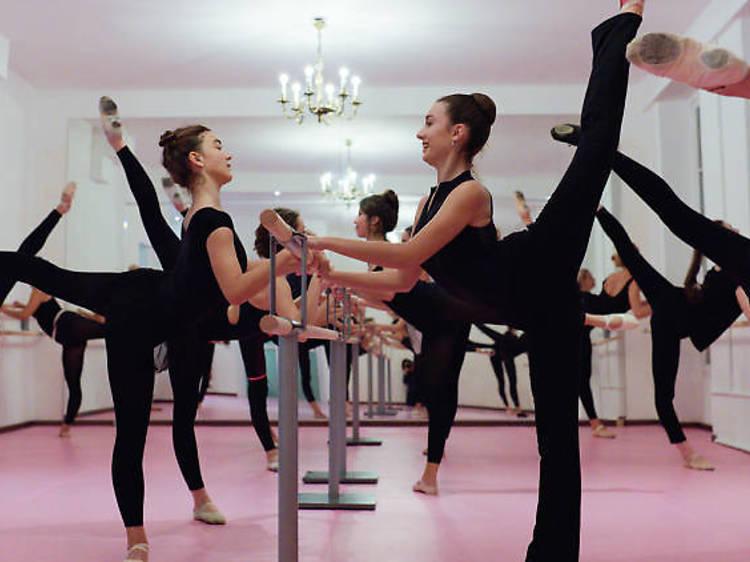 Prendre des cours de ballet gratuitement avec la marque Repetto