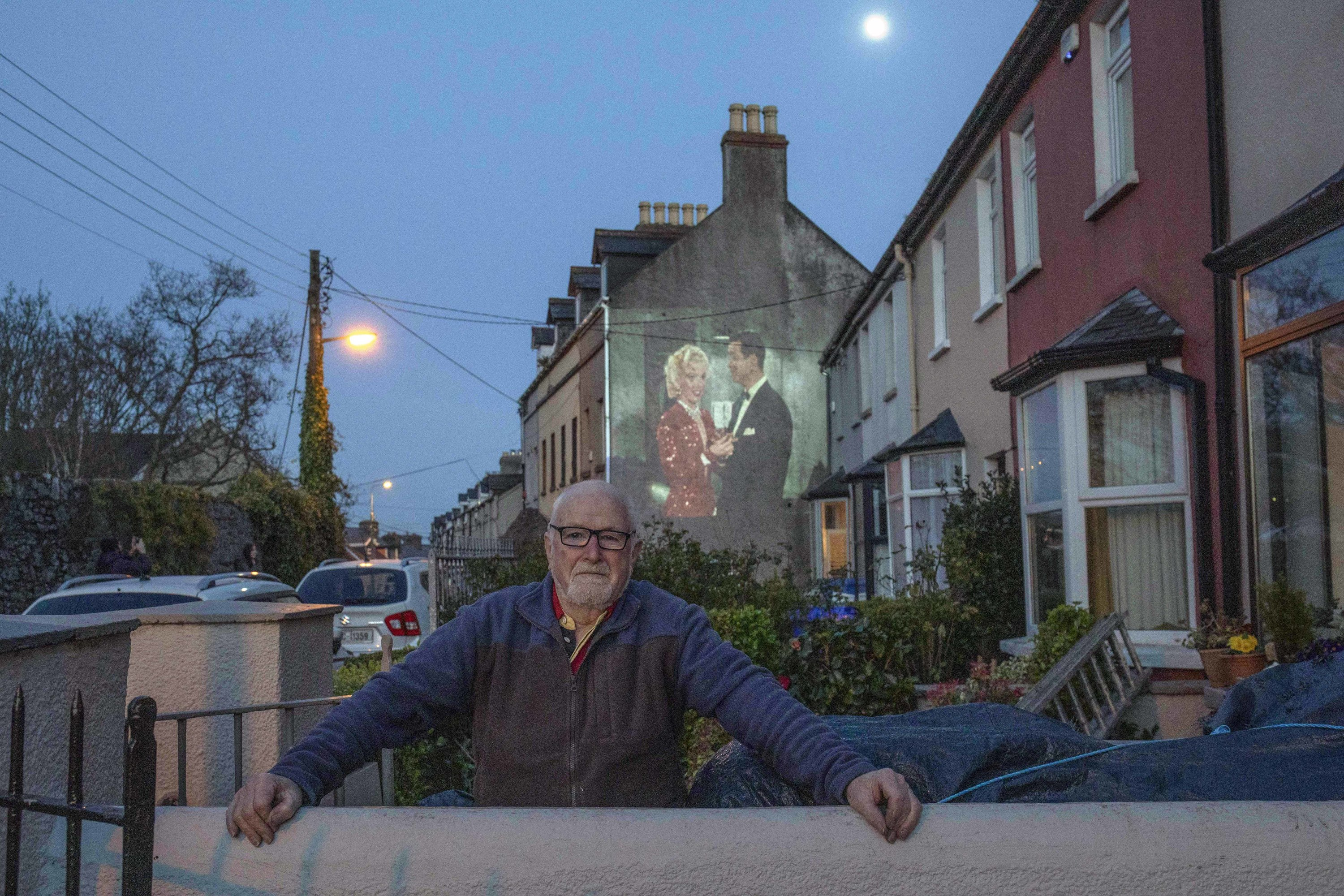 Irish street projecting films