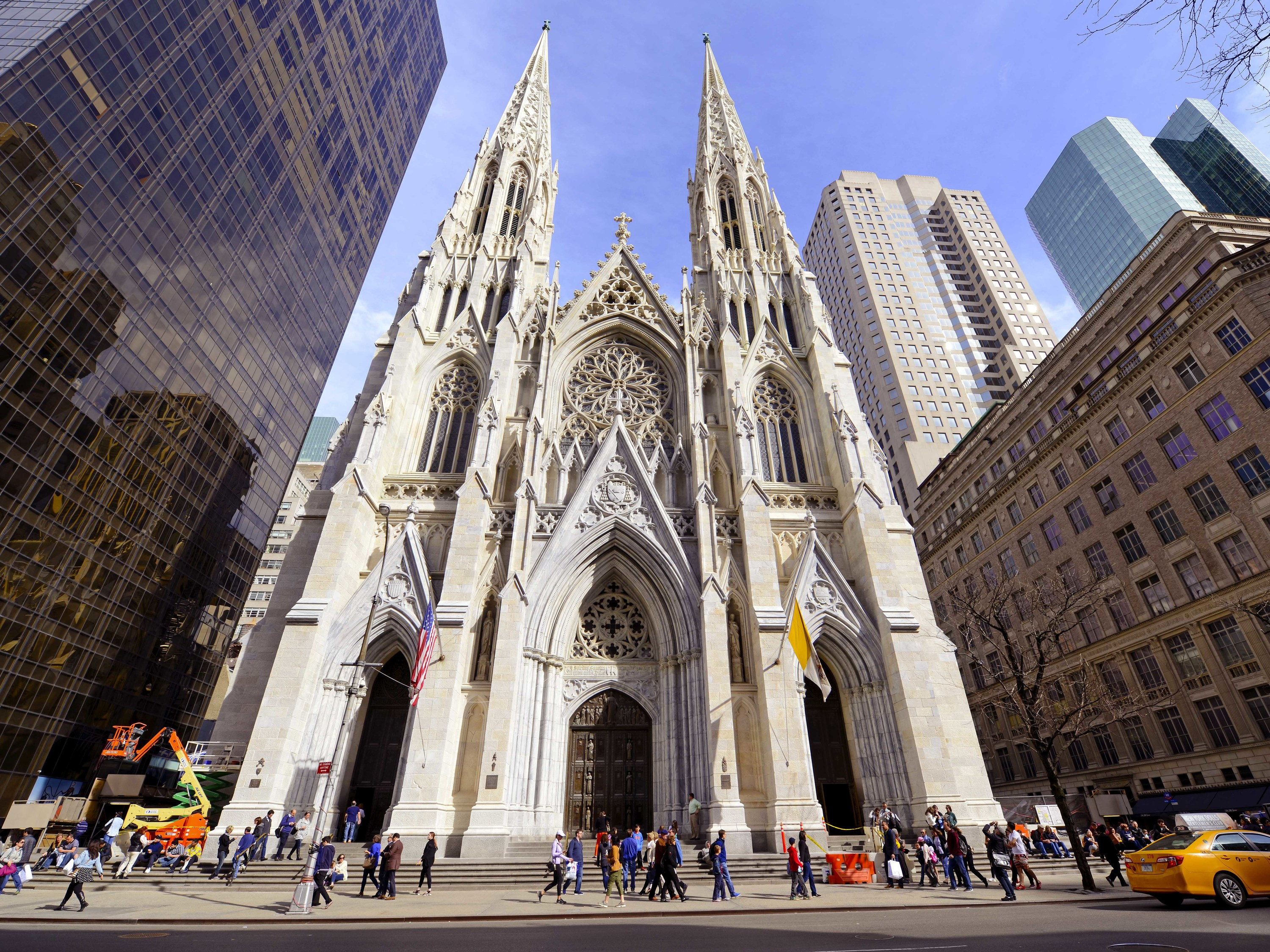 st patrick's cathedral is livestreaming a service for easter