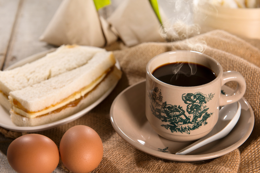singapore breakfast, kopi, kaya toast