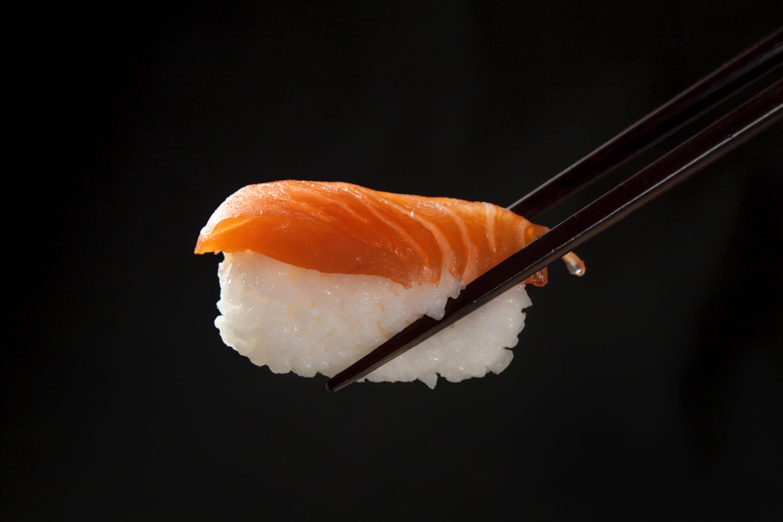 unsplash, sushi, nigiri, kelvin zyteng, chopsticks