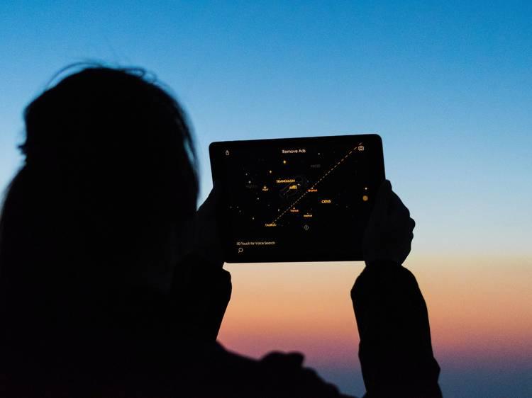 Apps para descobrir o céu e fazer astroturismo à janela