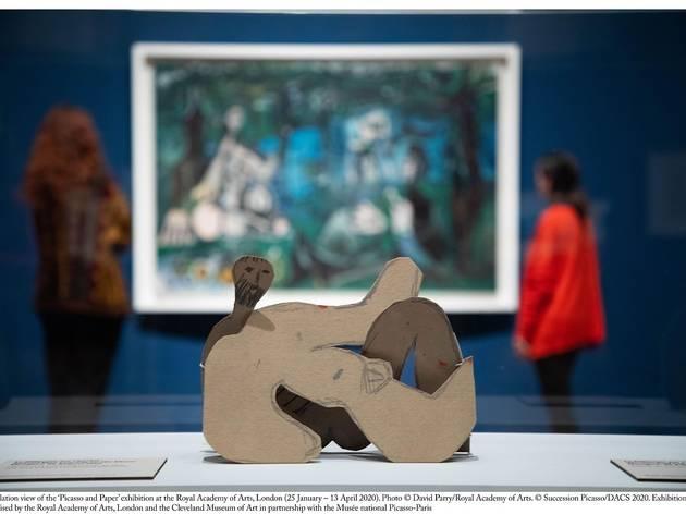 Picasso levou a cabo um vasto processo de experimentação no papel