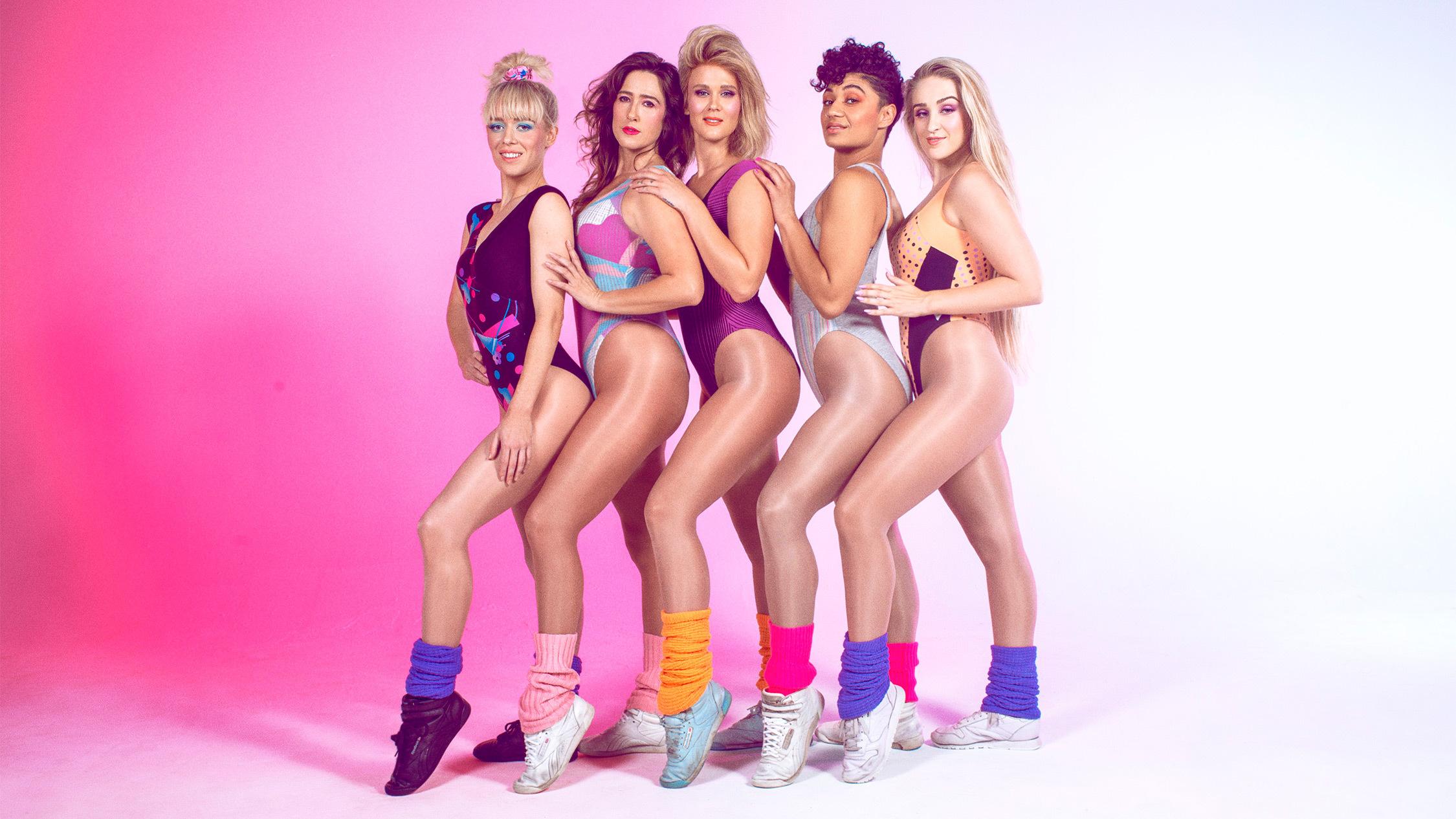 Five Retrosweat girls posing in a line