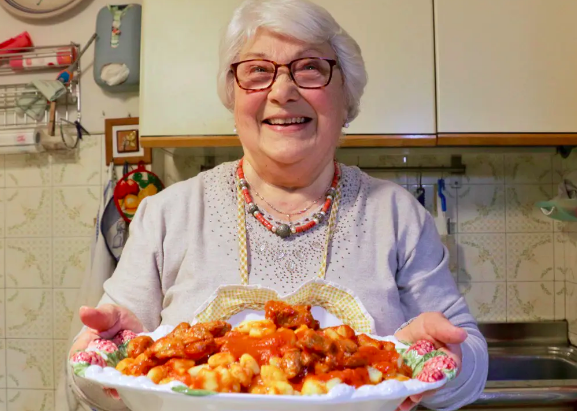 Ces mamies italiennes vous dévoilent leurs meilleures recettes de pâtes maison