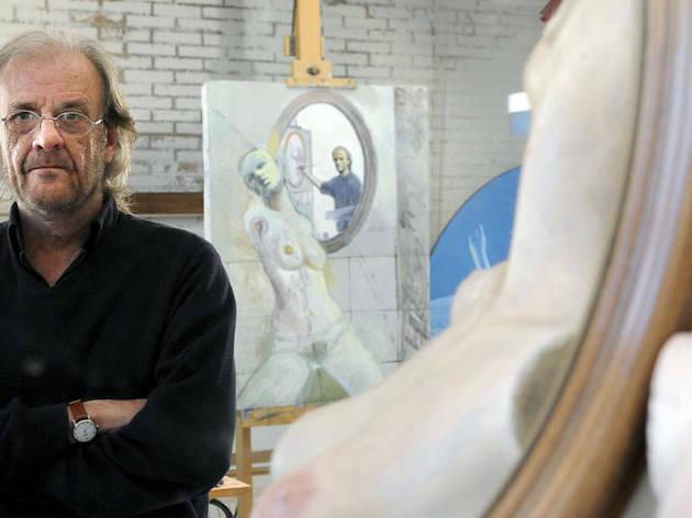 Luis Eduardo Aute en su estudio