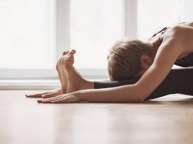 Les millors classes i tutorials per fer ioga a casa