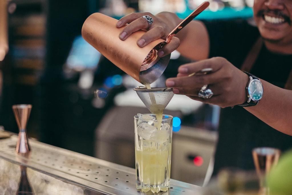 bartender, cocktails